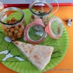 curry-di-ceci-al-ketchup-e-insalata-di-patate_22345363413_o
